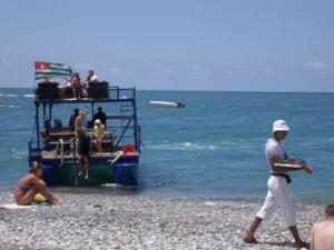 Отдых в частном секторе Абхазии пляж в Гаграх