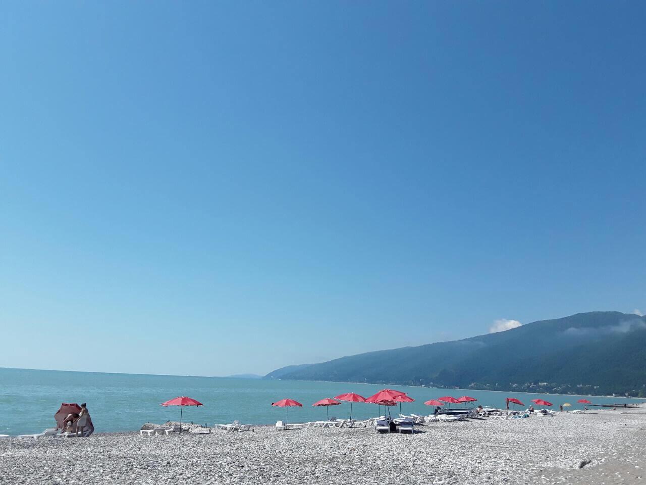 Гагра пляж рядом с нашим гостевым домом