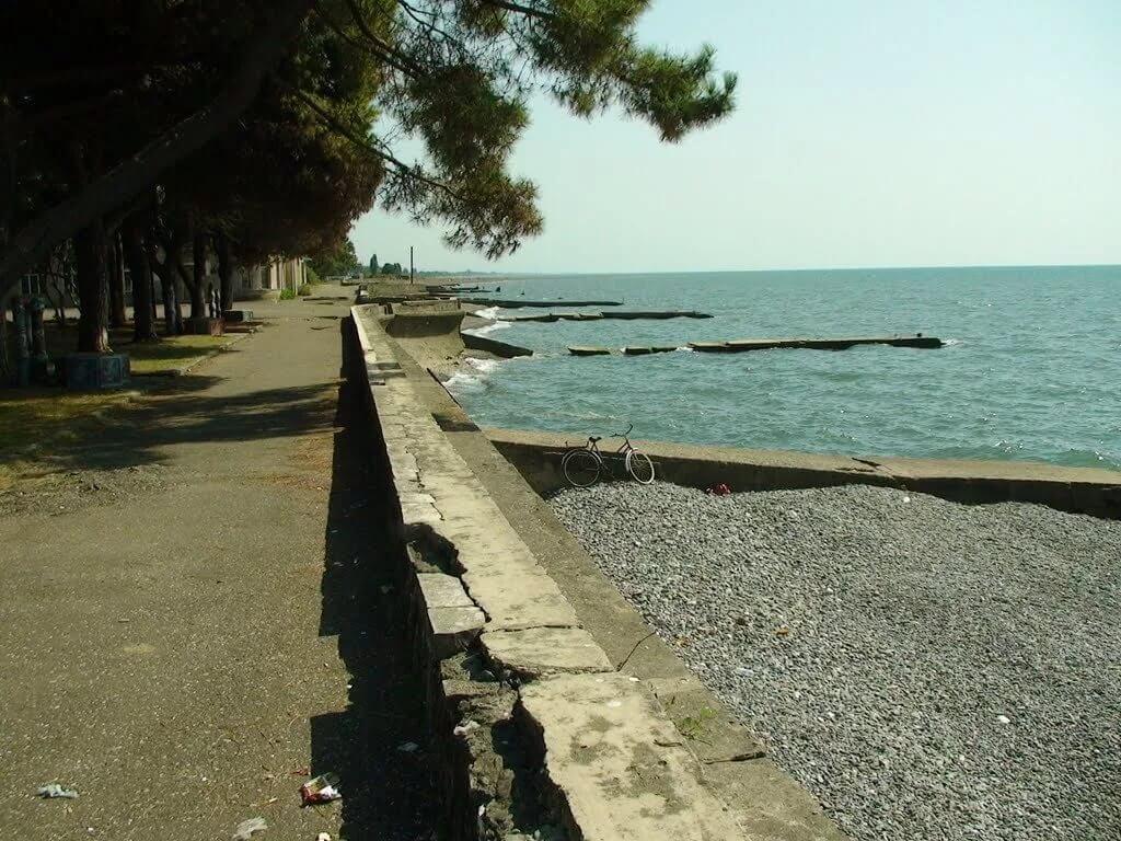 Абхазия отдых частный сектор на берегу моря без посредников Очамчира, жилье недорого низкие цены, гостевые дома.