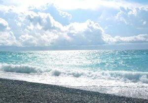 Абхазия Гагра частный сектор на берегу моря гостевой дом на пляже